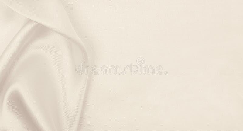 Texture de luxe d'or ?l?gante douce de tissu de soie ou de satin en tant qu'?pouser le fond Conception luxueuse de fond Dans la s photos stock