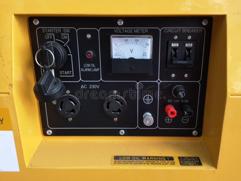 Texture de panneau de générateur de contrôle avec un bon nombre de boutons photographie stock