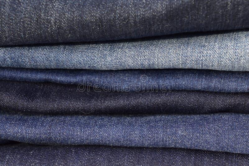 Texture des blues-jean hautes empilées image libre de droits