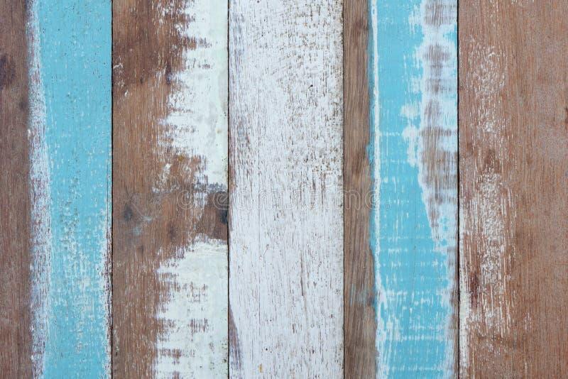 texture en bois de planches avec la peinture criquée de couleur pour le fond images libres de droits
