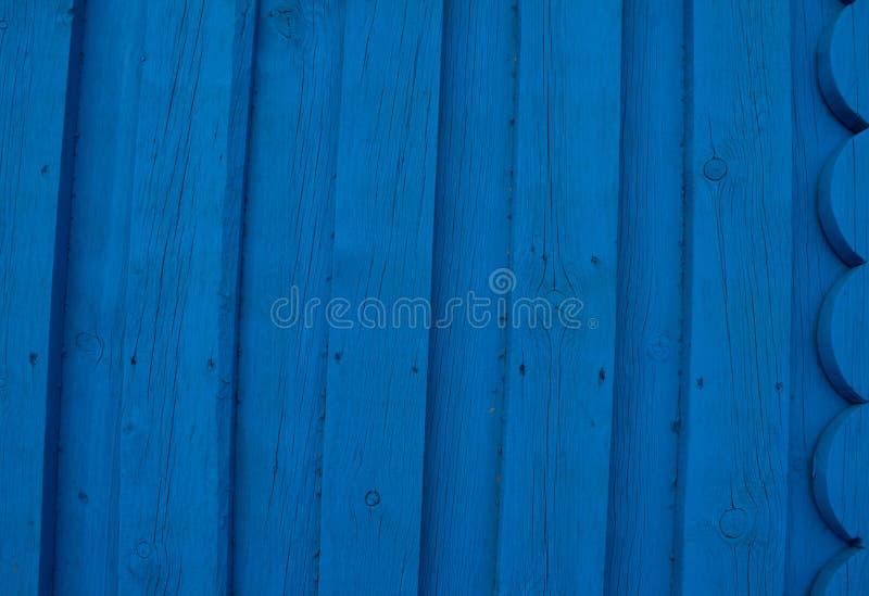 Texture en bois lumineuse de turquoise de résumé au-dessus du fond naturel clair bleu de couleur, vieux contexte de panneau avec  images libres de droits