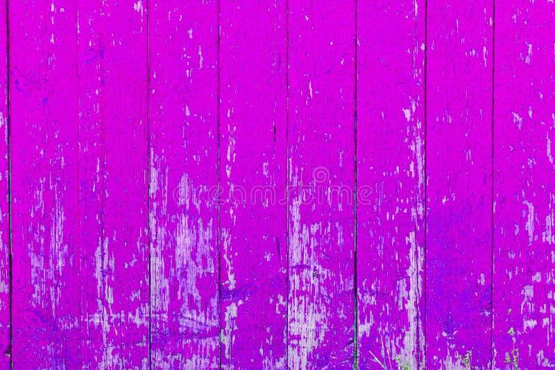 Texture en bois pourprée Fond en bois pourpre vertical pour votre texte photographie stock