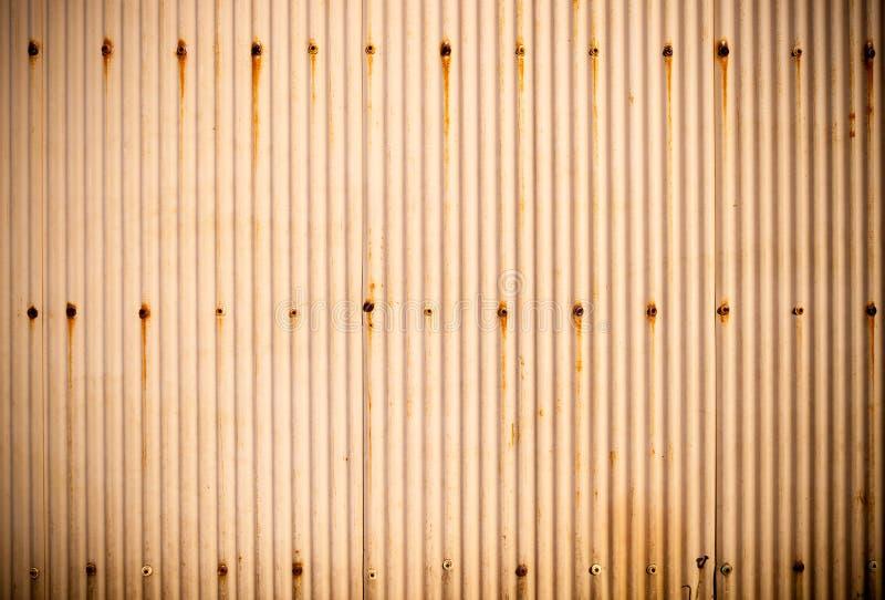Texture ondulée rouillée en métal image libre de droits
