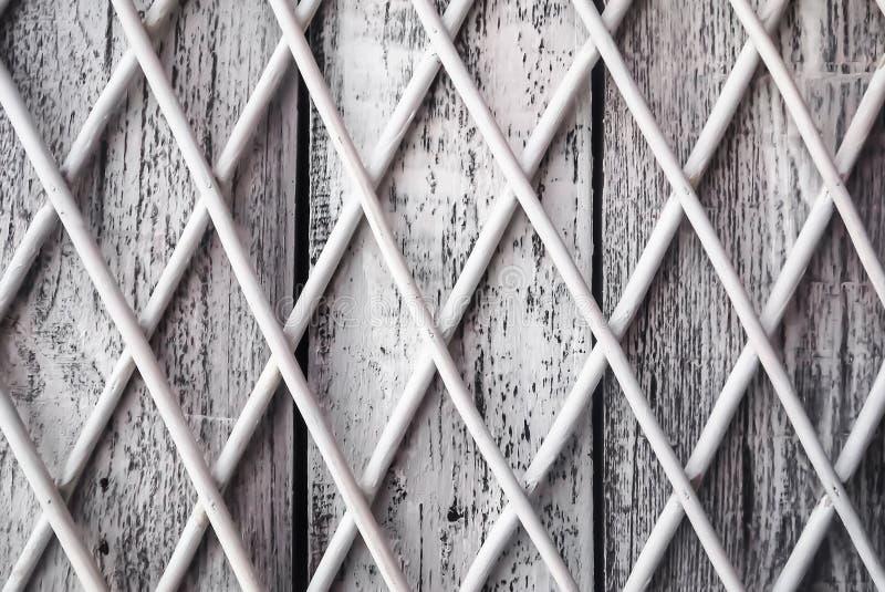 Texture ou fond-vieux conseils couverts de peinture blanche photos stock