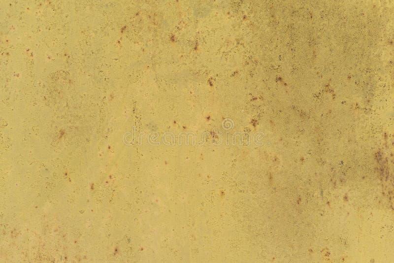 Texture rouill?e en m?tal avec des ?raflures et des fissures traces de peinture couleurs oranges sales Copiez l'espace photos stock