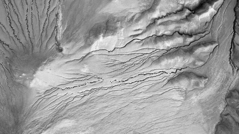 Texture, vue d'andscape de vue aérienne ci-dessus en volcans de boue de Buzau Roumanie images stock