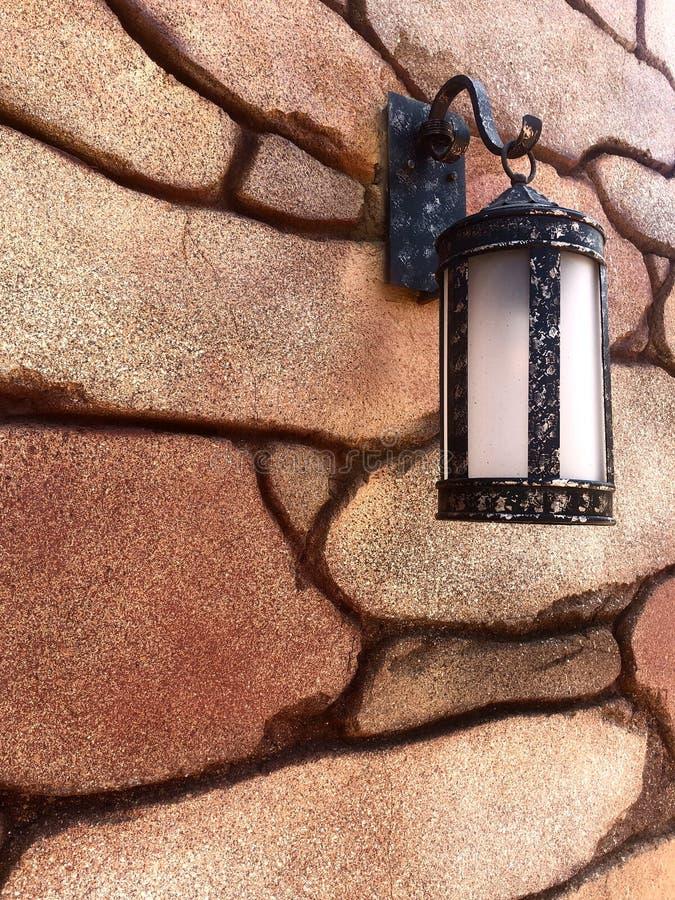 Texturice la linterna retra beige de la piedra foto de archivo