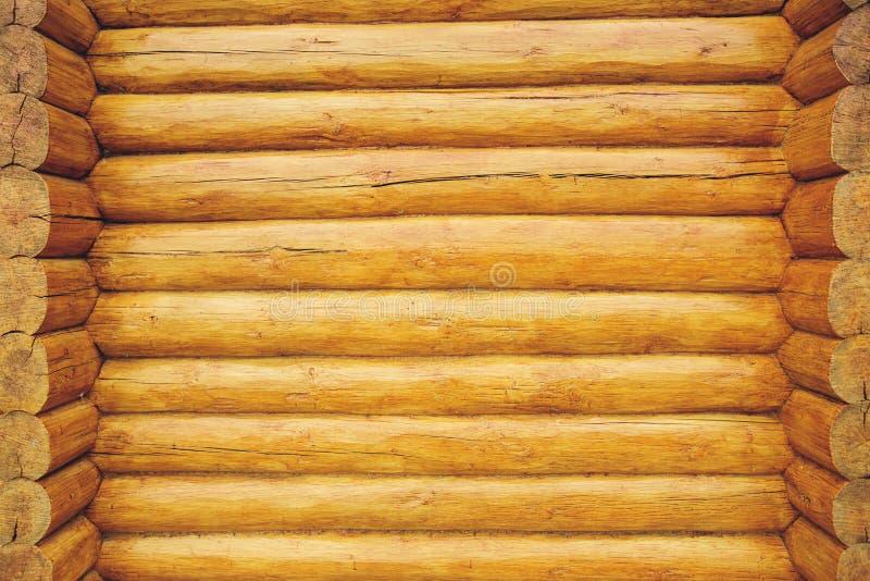 Texturvägg som göras av träjournaler royaltyfri fotografi