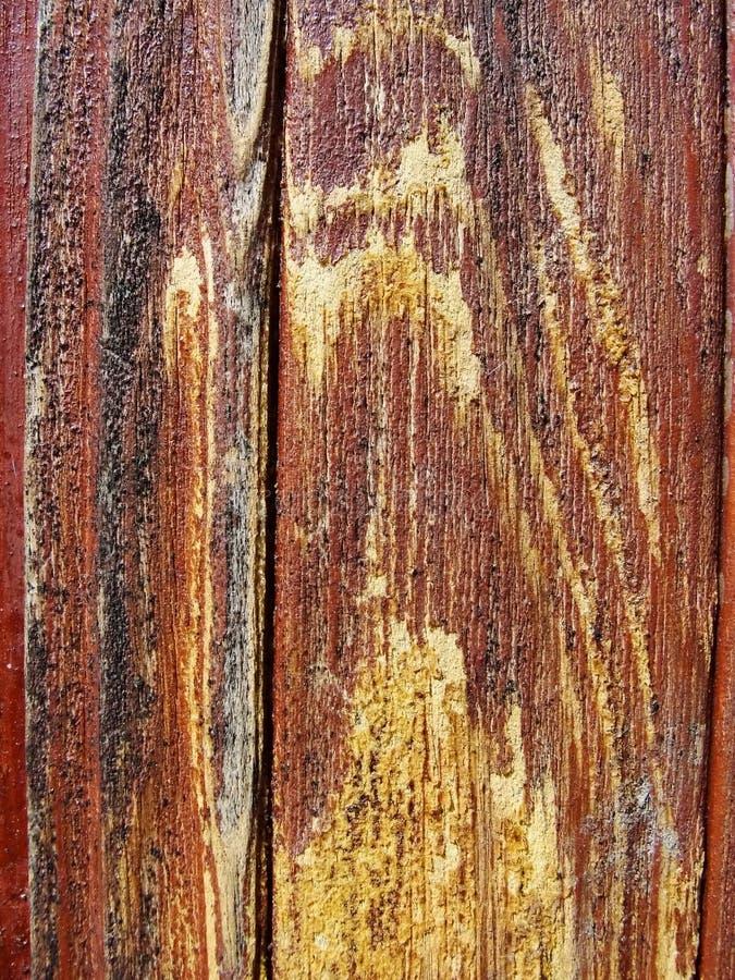 Textuur-oude houten geschilderde beschermende verf bruine voorgestelde Raad met stromen van houten amberhars Detail van houten pl royalty-vrije stock foto's