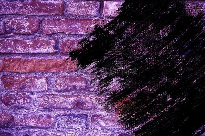 Textuur van de Grunge de vuile ultra purpere bakstenen muur, cementachtergrond voor website of mobiele apparaten stock foto