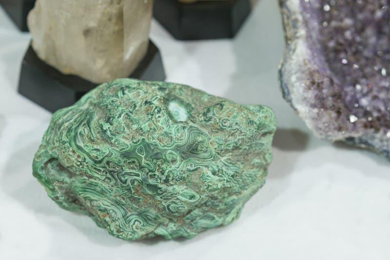 Textuur van de malachiet de groene minerale halfedelsteen, malachietachtergrond, groene achtergrond stock afbeelding