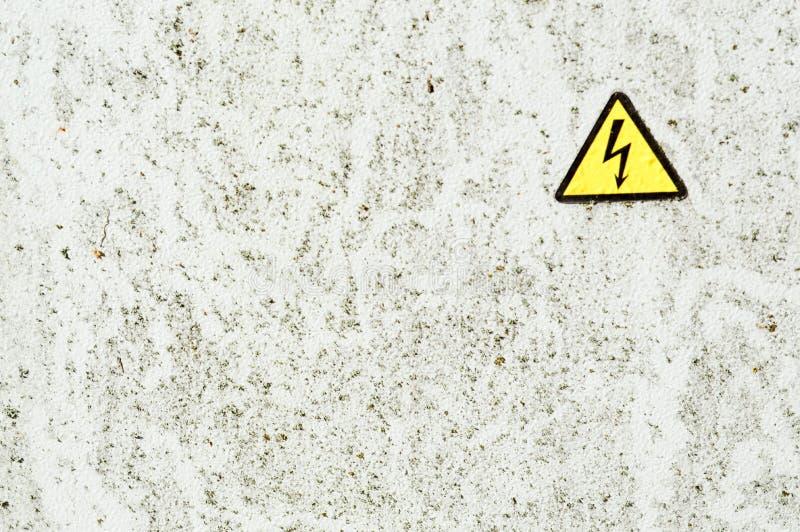 Textuur van de witte muur van het de verfspit van het ijzermetaal roestige sjofele geschilderde stock fotografie