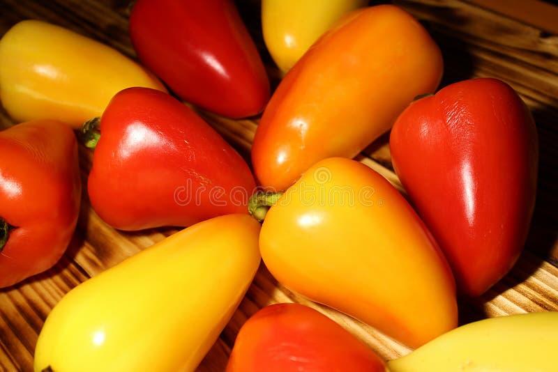 Textuur van heel wat paprika op de lijst stock foto