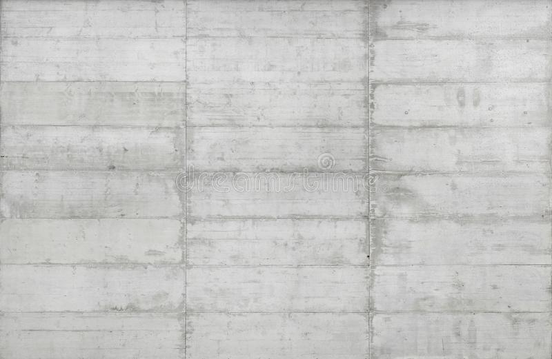 Textuur van houten die bekisting op een ruwe concrete muur wordt gestempeld royalty-vrije stock fotografie