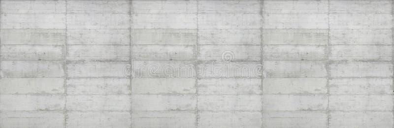 Textuur van houten die bekisting op een ruwe concrete muur wordt gestempeld stock foto's