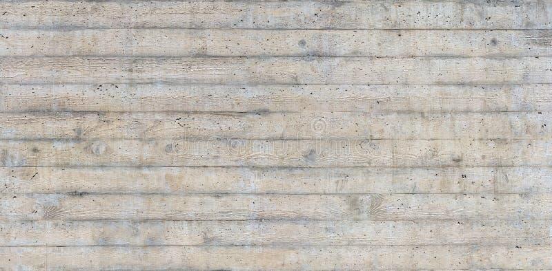 Textuur van houten die bekisting op een ruwe concrete muur wordt gestempeld royalty-vrije stock afbeeldingen
