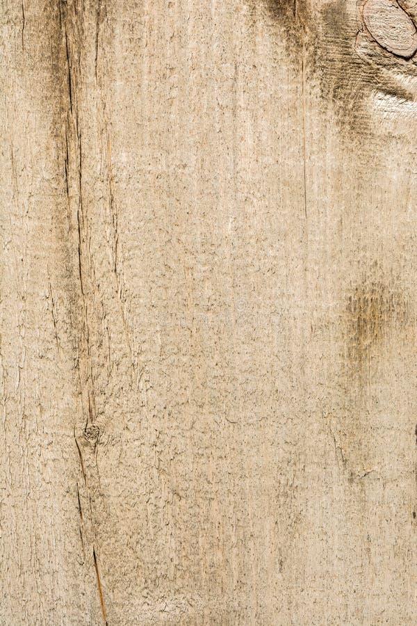 Textuur van oud droog doorstaan gebarsten hout, barsten langs de vezels van logboeken, close-up abstracte achtergrond stock afbeeldingen