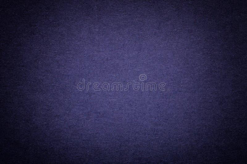 Textuur van oude marineblauwe document achtergrond, close-up Structuur van dicht karton stock afbeeldingen