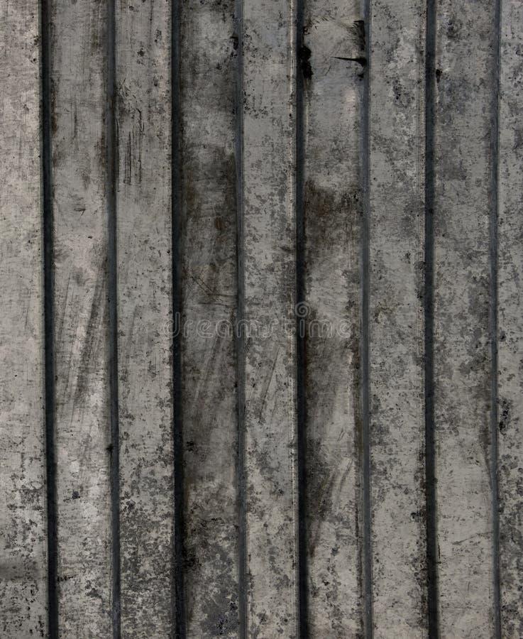 Textuur van vuile golf-vormige staalplaat stock foto