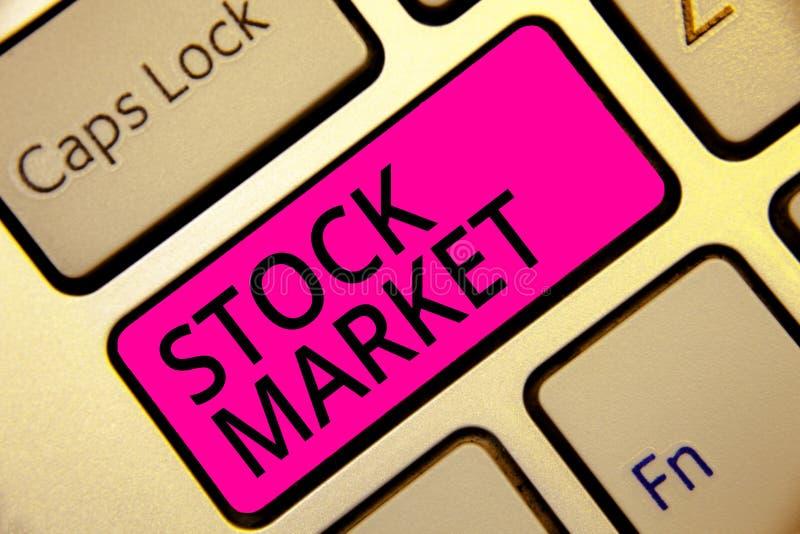 Textzeichen, das Börse zeigt Bestimmter Markt des Begriffsfotos, in dem Aktien und Obligationen gehandelt oder rosa Schlüssel der lizenzfreie stockfotografie