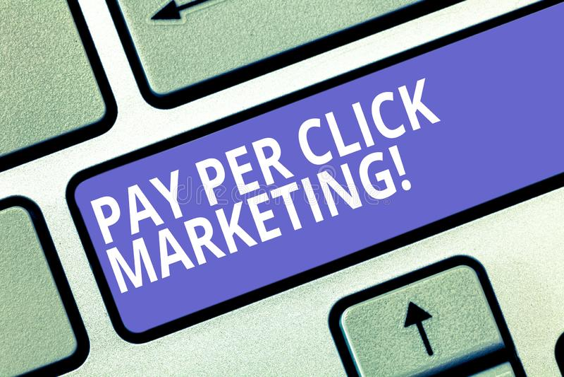 Textzeichen, das Bezahlung-pro-Klick- Marketing zeigt Werbestrategien Begriffsfoto Digital moderne Förderungs-Taste lizenzfreie stockfotos
