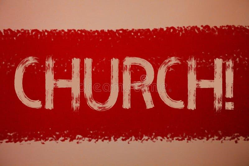 Textzeichen, das Kirche zeigt Begriffsfoto Kathedralen-Altar-Turm-Kapellen-Moscheen-Schongebiet-Schrein-Synagoge-Tempel-Ideenmitt stockfoto