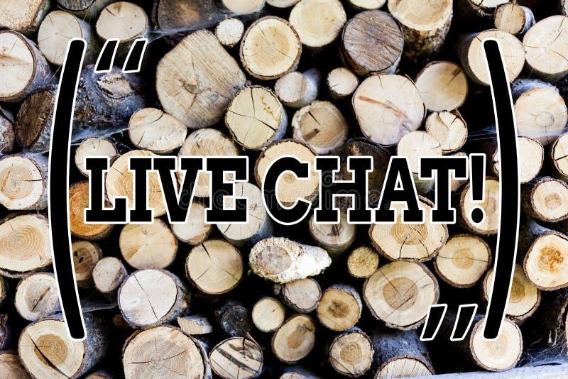 Textzeichen, das Live Chat zeigt Begriffsfototeilen Realzeitmediengespräch online hölzerne Hintergrundweinlese mit lizenzfreies stockfoto