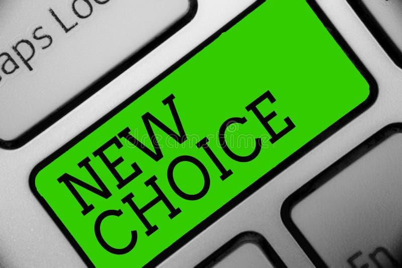 Textzeichen, das neue Wahl zeigt Begriffsfoto, das Los Wahlen hat und ein anderes addiert, um zwischen Tastaturgrünschlüssel I zu stockfoto