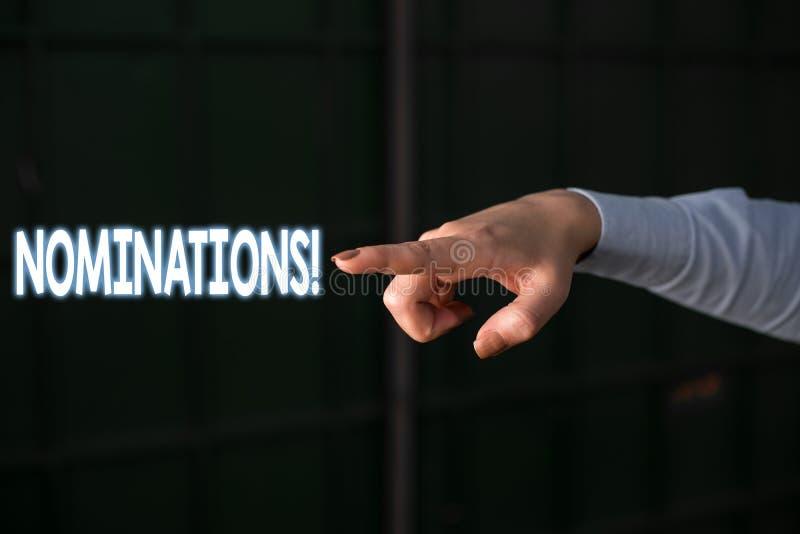 Textzeichen, das Nominierungen zeigt Begriffsfotoaktion der Ernennung oder des Zustandes, die für das Preis Fingerzeigen ernannt  lizenzfreies stockfoto