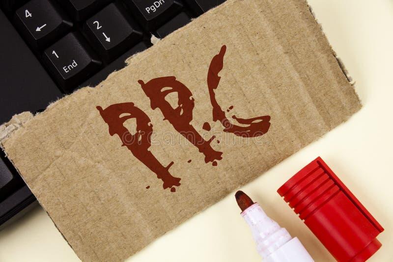 Textzeichen, das Ppc zeigt Begriffsfoto Bezahlung-pro-Klick- Werbestrategie-direkter Verkehr zu den Website geschrieben auf Riss- lizenzfreies stockbild