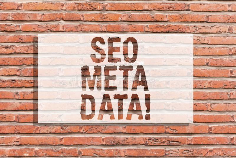 Textzeichen, das Seo Meta Data zeigt Begriffsfoto Suchmaschinen-Optimierungs-on-line-Marketingstrategie Backsteinmauerkunst lizenzfreie stockbilder