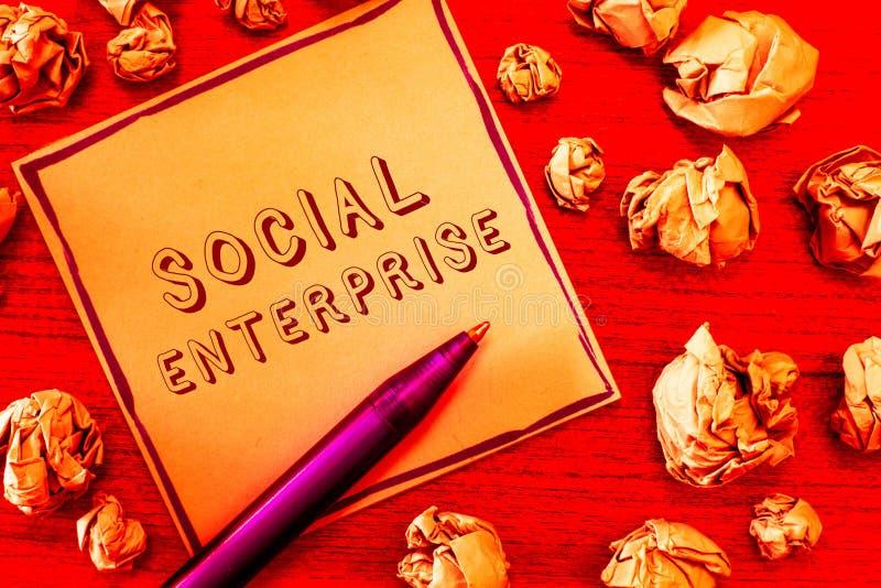Textzeichen, das Sozialunternehmen zeigt Begriffsfoto Geschäft, das Geld auf eine sozial verantwortliche Art verdient stockfotos