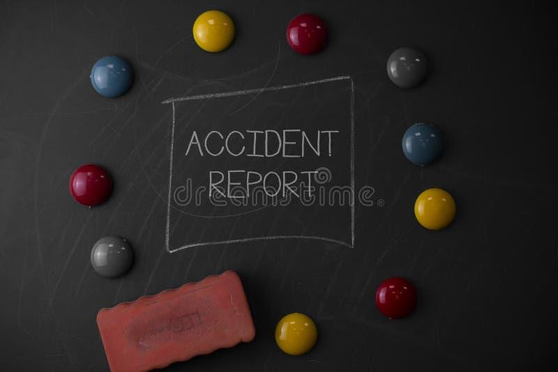 Textzeichen, das Unfallbericht zeigt E stockbilder