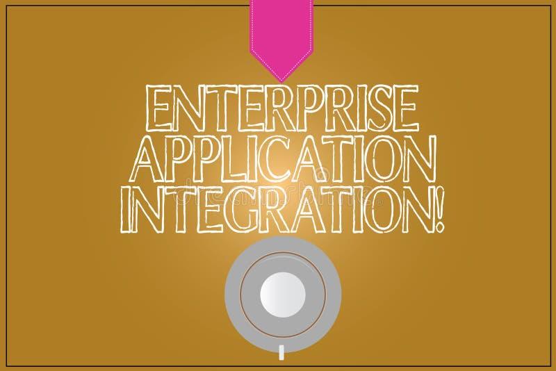 Textzeichen, das Unternehmens-Anwendungs-Integration zeigt UNTERNEHMENSanwendungen Kaffeetasse-Untertassen-Spitze des Begriffsfot stockfotos
