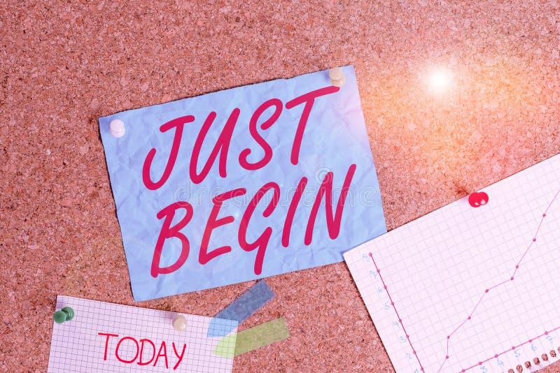 Textzeichen mit Nur Beginn Konzeptfoto zu Beginn der Geschehnisse Begin zu tun, etwas in der Geschäftswelt oder eine Arbeit Corkb lizenzfreie stockbilder
