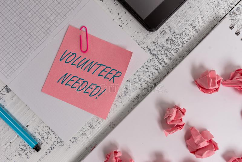 Textzeichen-Vertretung Freiwilliger ben?tigt Begriffsfotobedarfsarbeit für Organisation, ohne quadratische Spirale gezahlt zu wer lizenzfreies stockbild