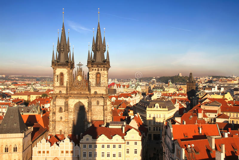 Teyn Kirche in Prag lizenzfreie stockbilder