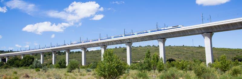 TGV的铁路桥梁在法国 免版税库存图片