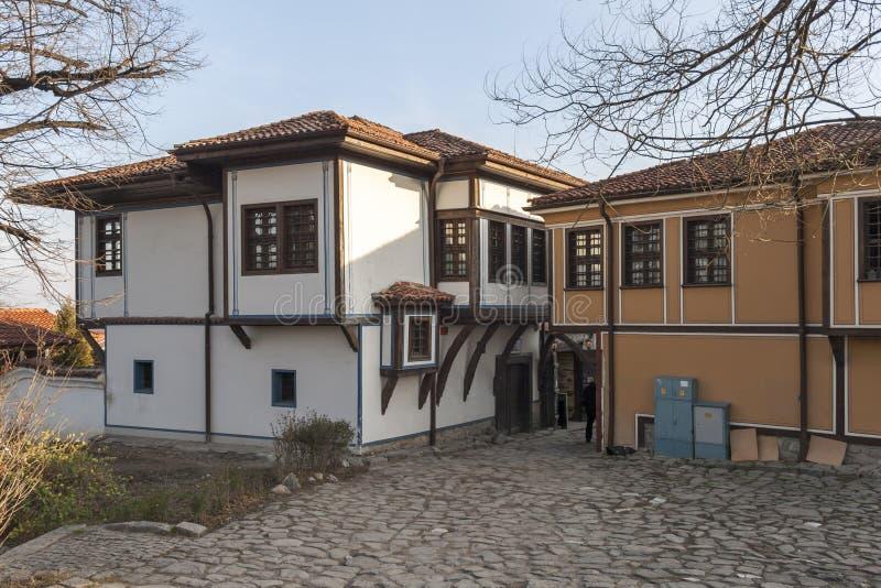 19 thårhundradehus i arkitektonisk och historisk reserv den gamla staden i stad av P royaltyfri fotografi