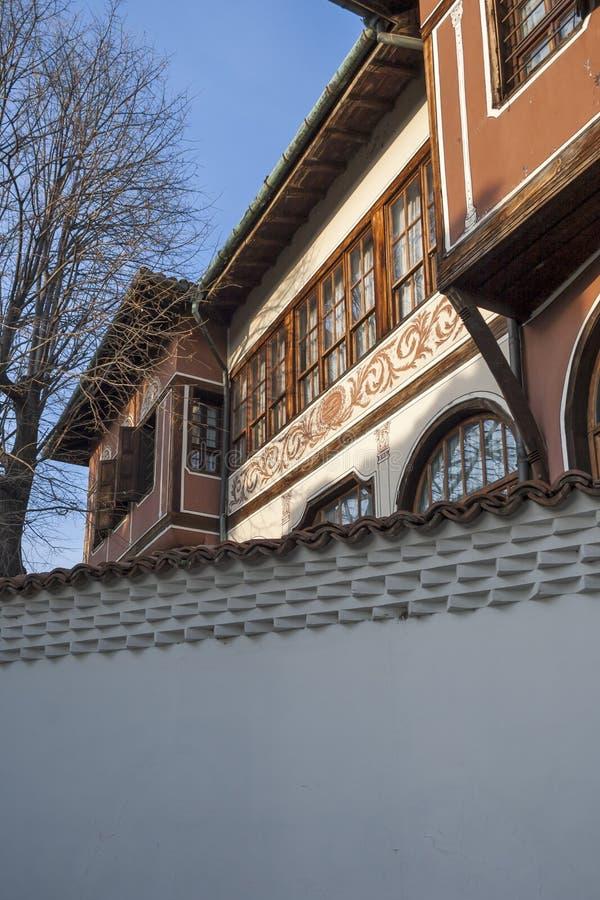 19 thårhundradehus i arkitektonisk och historisk reserv den gamla staden i stad av P royaltyfri foto
