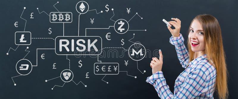 Thème de risque de Cryptocurrency ICO avec la jeune femme images libres de droits