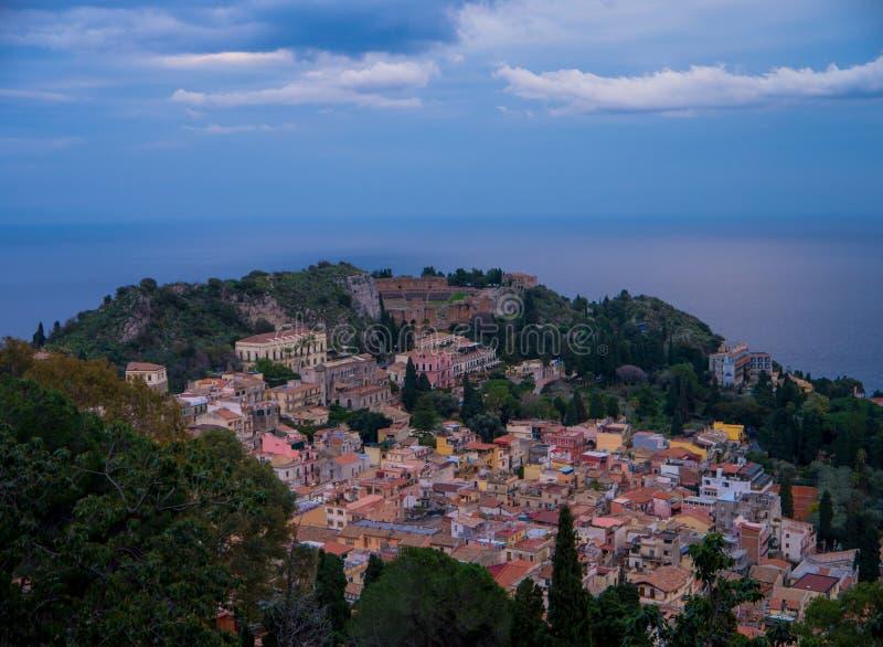 Théâtre antique dans la ville de Taormina, Sicile photo libre de droits