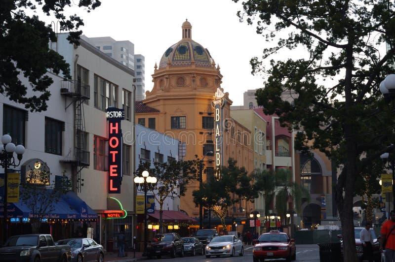 Théâtre de Balboa à San Diego le soir photo stock