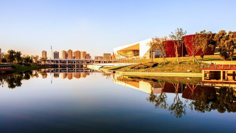 Théâtre de point de repère-Shanxi de culture de Taï-Yuan nouveau grand et nouveau musée de Taï-Yuan photos libres de droits