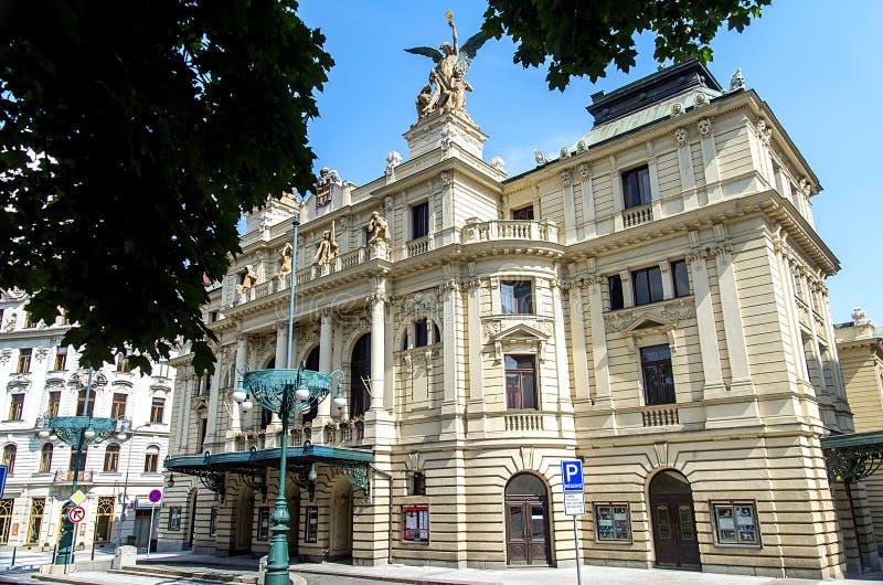 Théâtre de Vinohrady à Prague images stock