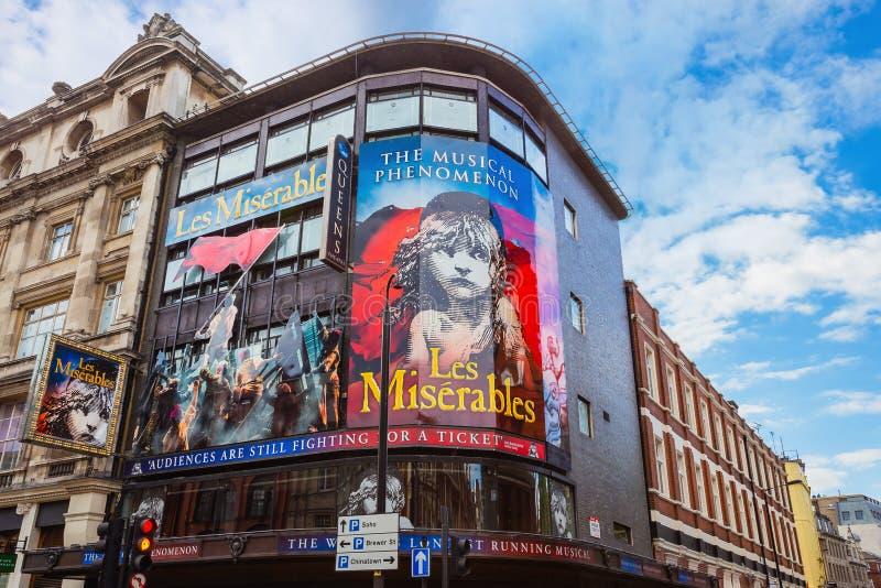 Théâtre du ` s de reine dans l'avenue de Shaftesbury , Londres, R-U images stock