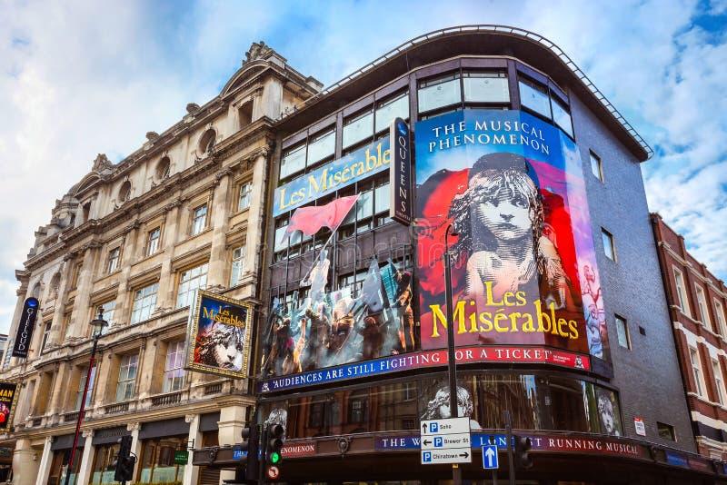 Théâtre du ` s de reine dans l'avenue de Shaftesbury , Londres, R-U image stock