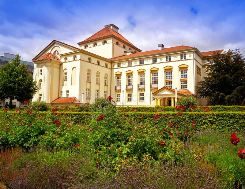 Théâtre et jardin de Nordhausen dans Harz Allemagne photo stock