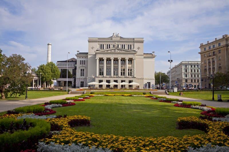 Théâtre national letton d'opéra à Riga image stock