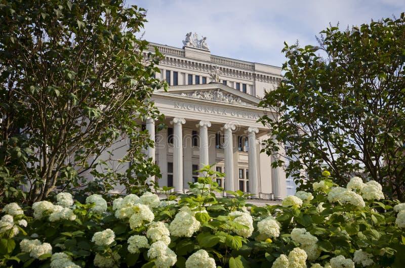 Théâtre national letton d'opéra à Riga images libres de droits